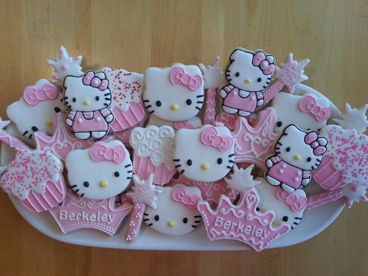 Hello Kitty cookies by Dyan