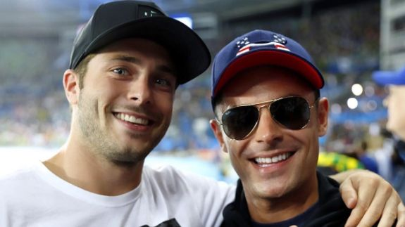 Zac Efron met up with diver Michael Hixon a.k.a. his secret twin - all that's missing here is ME.