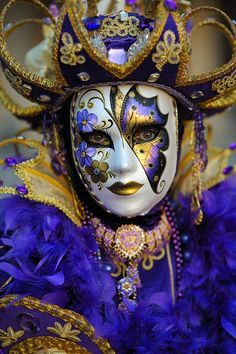 Halloween costume idea (actually from Carnevale di Venezia 2014). Description from pinterest.com. I searched for this on bing.com/images