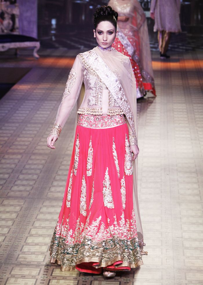 Manish Malhotra Wedding Bridal Dresses 15