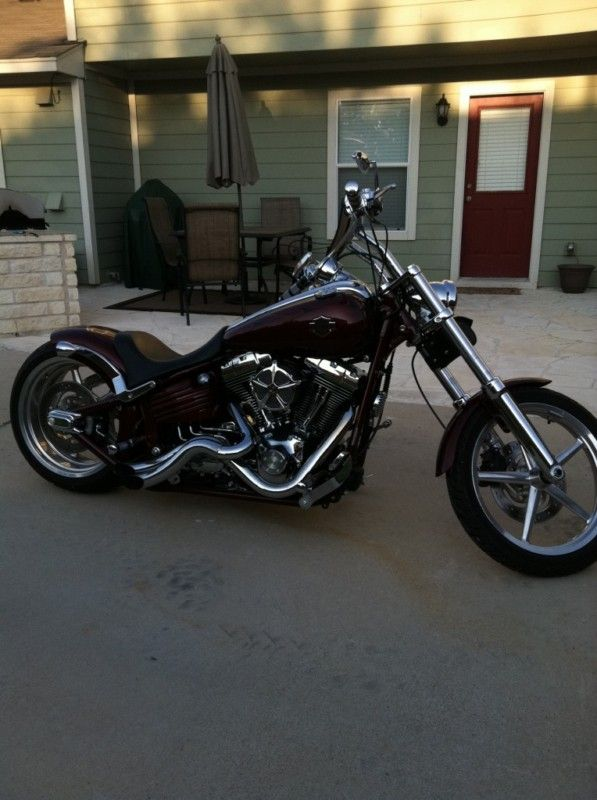 Harley-Davidson : Rocker C  In the future for me!   I can Dream can't I .......it has a back seat Grady I swear!