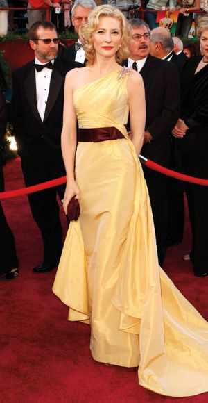 Cate Blanchett in Valentino, Oscars 2005, love this color combo.