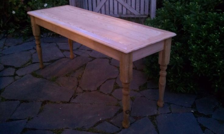 Farmhouse Table Made From Newel Posts And Flooring Roe