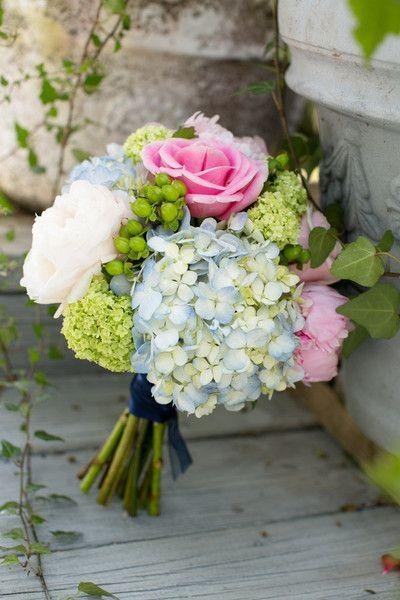 <3 floral bouquet....