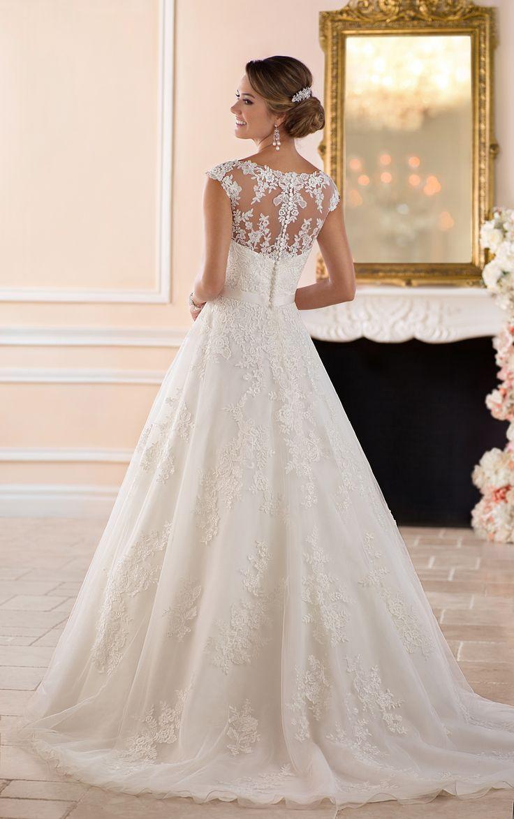 Dieses traditionelle Brautkleid im Prinzessin-Stil von Stella York verzaubert mi