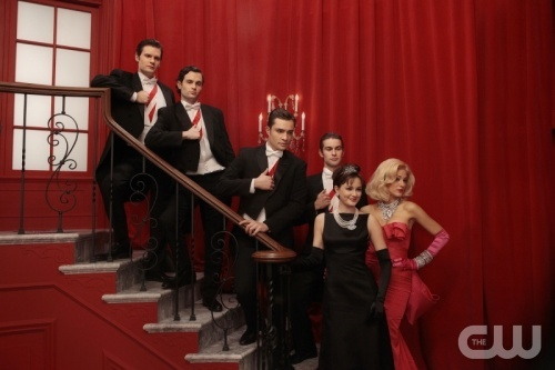 """""""G.G."""" - Pictured (L to R in a dream sequence) Hugo Becker as Louis, Penn Badgley as Dan Humphrey, Ed Westwick as Chuck Bass, Chace Crawford as Nate Archibald, Leighton Meester as Blair Waldorf and Blake Lively as Serena Van Der Woodsen  in GOSSIP GIRL on The CW. Photo: Giovanni Rufino/©2011 The CW Network, LLC. All Rights Reserved"""