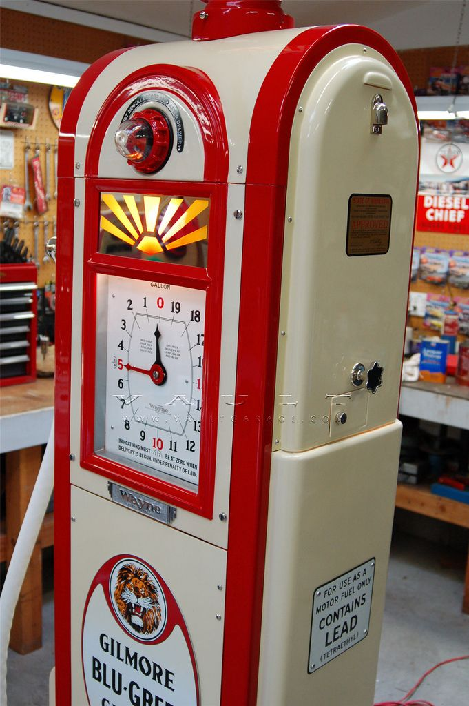 The art deco styling of the wayne 866 gas pump by 1936 for Pompe a essence deco