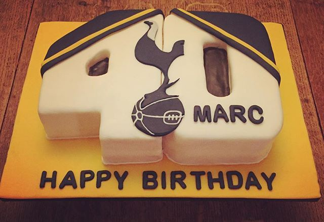 Tottenham Hotspur 40th Birthday Cake. https://www.facebook.com/Silvana.M.Cakes/