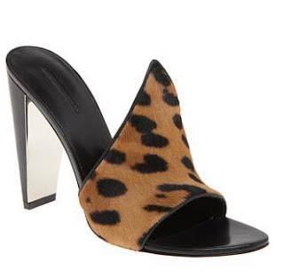 Стильная обувь сабо