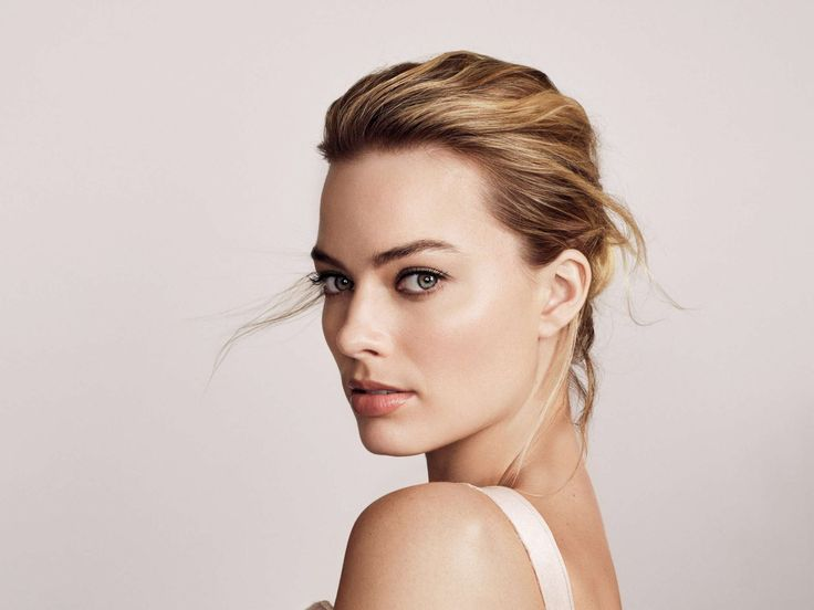 Actress Margot Robbie Still Finds It Difficult Coping With The Realities Of Fame #MargotRobbie celebrityinsider.org #Hollywood #celebrityinsider #celebrities #celebrity #celebritynews
