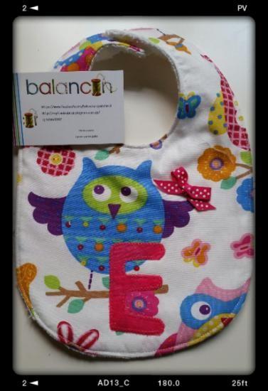 Baberos personalizados.  Se puede poner el nombre del niño o la niña sin coste adicional. 8 euros