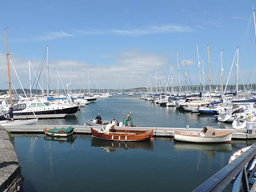 The view from the front of the harbour is breathtaking and just a stones throw from your front door when staying in one of our 4 star self-catering cottages or apartments