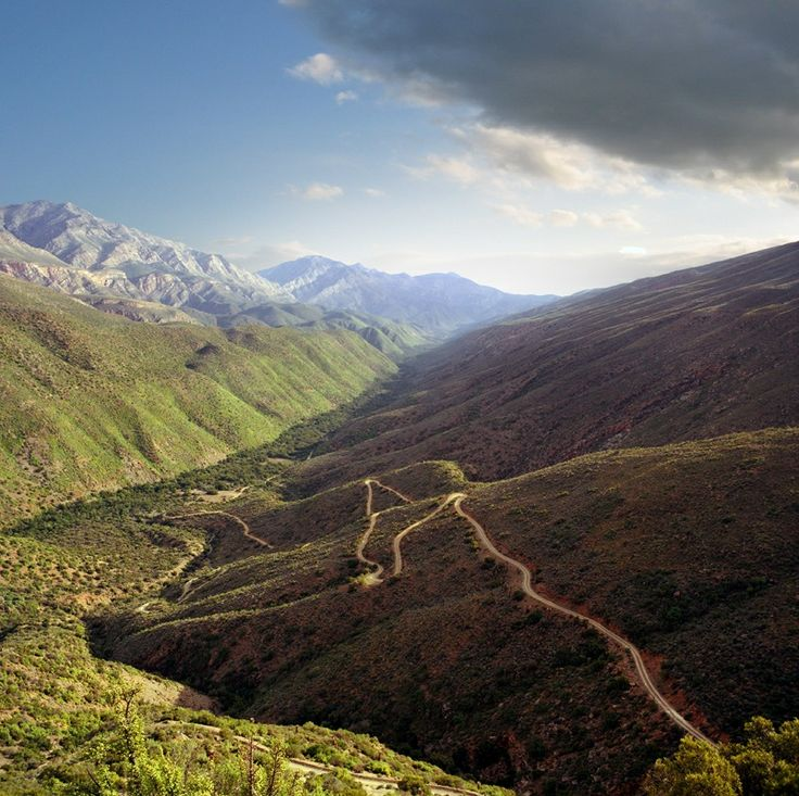 Swartberg Pass - connecting Oudtshoorn with Prince Albert, South Africa