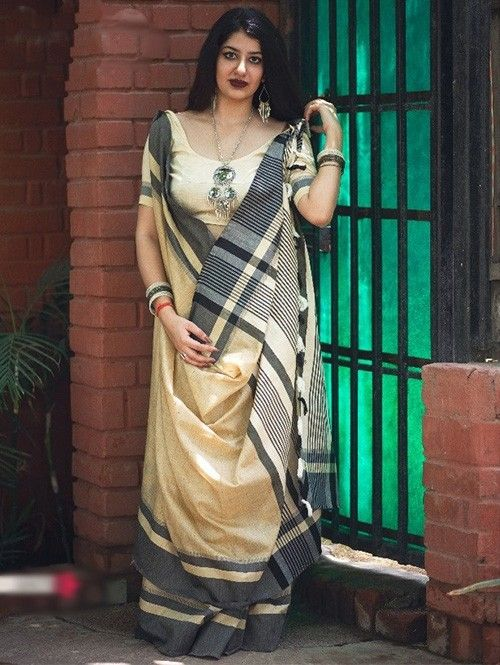 36b559a050c641 Beautiful Colored Khadi Cotton Saree With Contrast Pallu | Visit Now :  www.grabandpack.com.|Free shipping only in India| Contact us/whats app us  on : +91 ...
