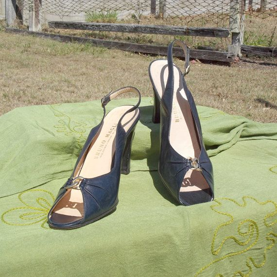 80s Designer Vintage Slingback Heels Sz 9 US by VintageSquirrels, $29.95  80s Designer Vintage Slingback Heels, Sz 9 US 6.5 UK 7.5 Aust 40 EU Bruno Magli Navy Leather Gold Link Detail Made in Italy Global Shipping