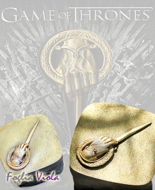 Game of Thrones, Stark box available on www.fogliaviola.com   #gameofthrones #GoT #box #chest #tiny #king #hand #handmade #fantasy #mano #re #scatola #case #vintage #gift #stark #lannister