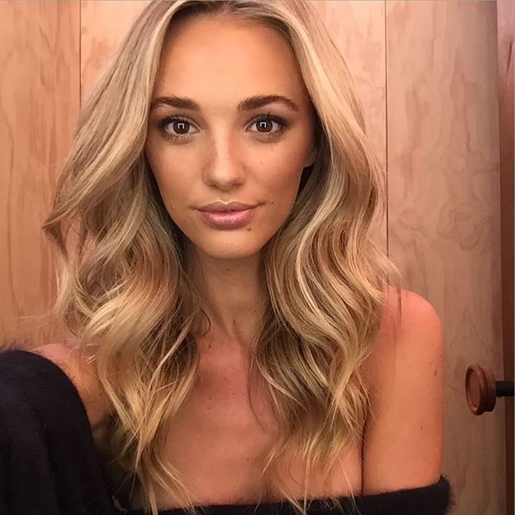 """Great morning working with this hottie! @stephclairesmith for @Myer  #topshop  Makeup by @chantellebaker  Hair by me   #UVASALON #texturedwaves"""