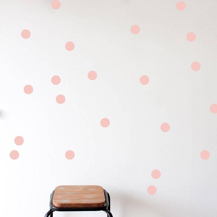 www.mevrouwaardbei.nl Mevrouw Aardbei 15 muurstickers cirkel oud roze 5 cm