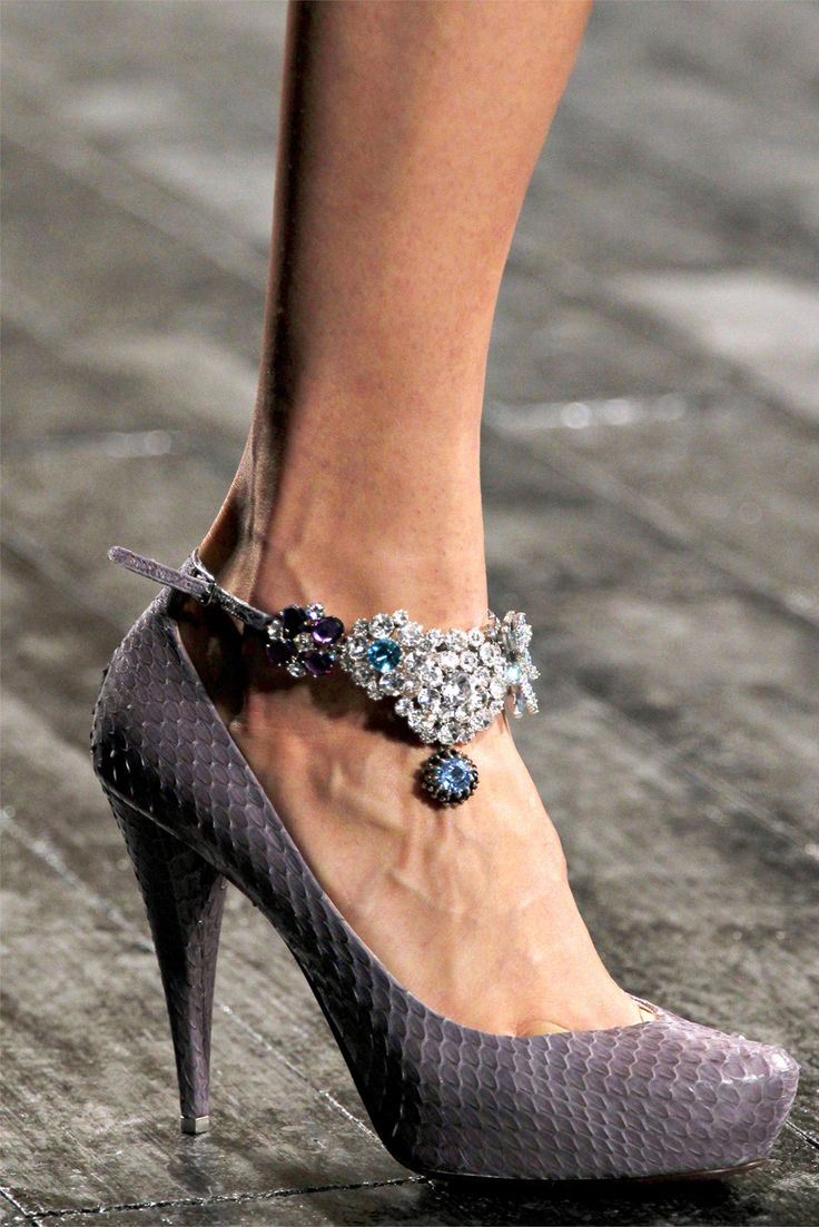 sparkle shoes: Shoes Dazzle, Woman Fashion, Nina Ricci, Curly Fall, Ninaricci, Woman Shoes, Fall 2012, Sandals Flats, Ankle Bracelets
