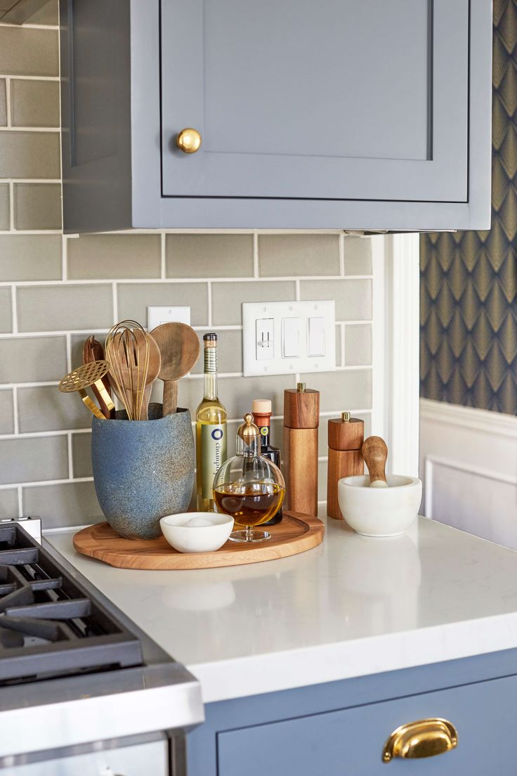 Decor with kitchen ideas waterfall countertop wood accent wall - 5 Ways To Style An Ugly Renter S Kitchen Kitchen Stagingdecorating Kitchen Counterskitchen
