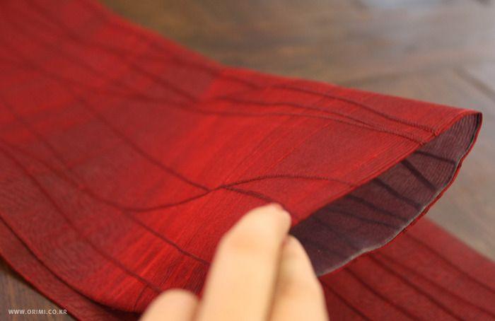 오리미한복 :: 원단만으로도 매력적인, 붉은 저고리와 풀색 치마