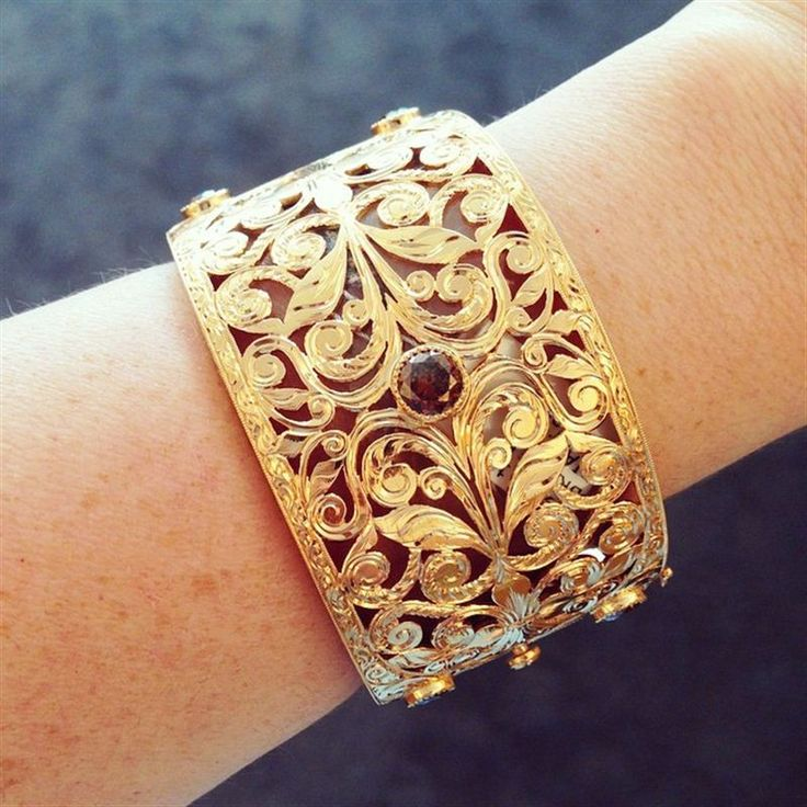 Gold cuff from Neil Lane
