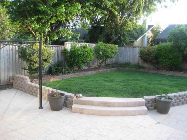 Small backyard pool and grass design designs ideas for Pool in front yard ideas