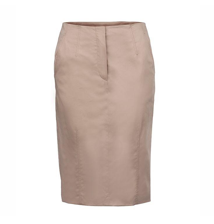 A business outfit essential with a wow-effect: #Joop pencil skirt