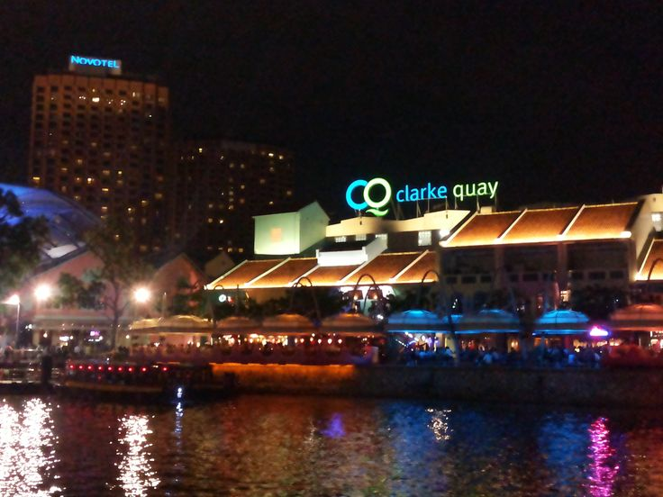 Clarke Quay - everyone's favorite place to chill and spend the evening. Great food, great ambiance, great live music and great river view. #SGTravelBuddy