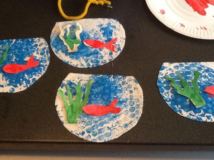 82 best d corations pour le poisson d 39 avril images on for Decoration pour poisson