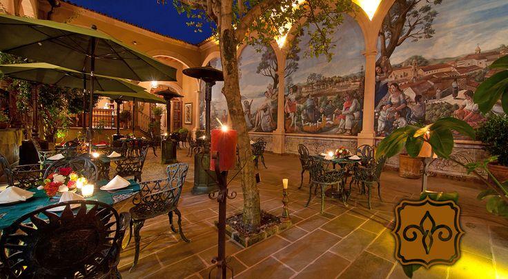 Sueña con una boda rodeada de ambiente virreynal en Mansión de los Sueños. #RespiraMagia    www.mansiondelossuenos.com.mx/bodas-y-eventos  #Patzcuaro #Michoacán #México #Hotel #Viaje #Travel #Boda #Wedding #Colonial #Barroco #Mansión #Sueños #Tesoros #Lacustre #Lago #Puerto #Comida #TataVasco