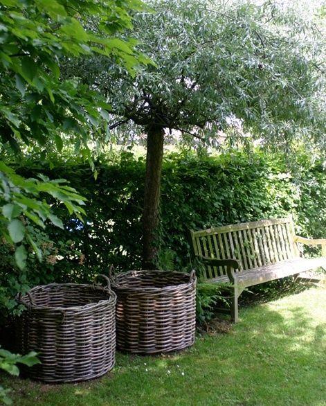 Baskets And A Bench Baskets Bench In 2020 Beautiful Gardens English Garden Design Garden Pictures