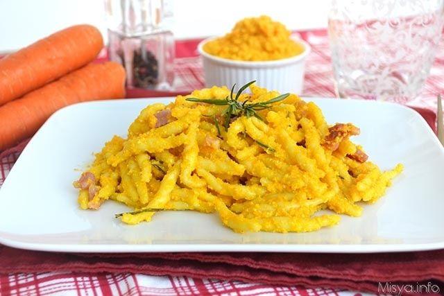 Pasta con pesto di carote, scopei la ricetta: http://www.misya.info/2015/09/29/pasta-con-pesto-di-carote.htm