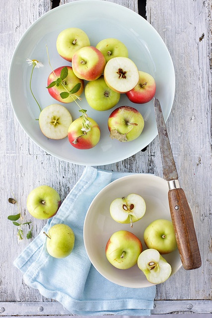 Apples (via Cannelle Vanille).
