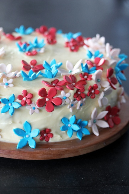 little flower cake 2 by yvonnelin1, via Flickr