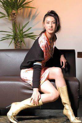 BONITA: HONGKONG - 01 isabella leong