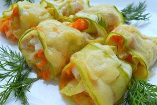 Gentle rolls from vegetable marrows with chicken fillet