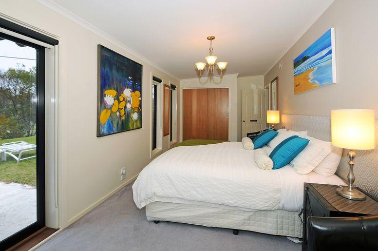 The Willow King bed room. Mornington Peninsula Accommodation   Harmony Bed & Breakfast