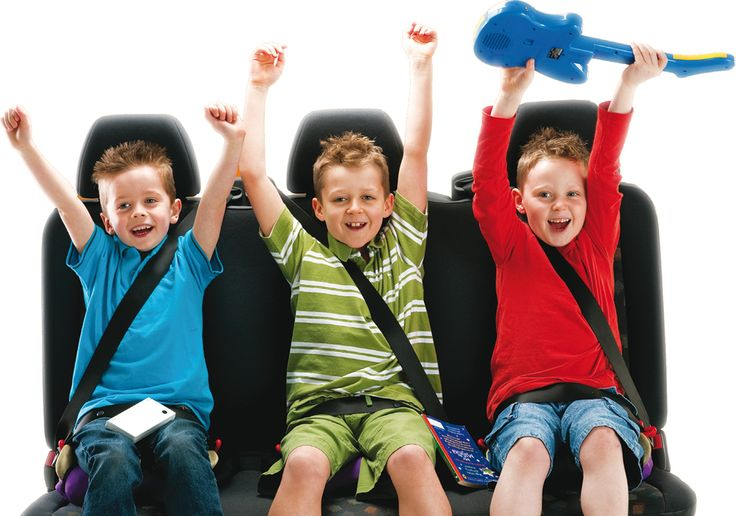 Es recomendable viajar con un alzador para los niños. Un alzador hinchable es práctico para sacar cuando haga falta, ¡cabe en un bolso de mano! #niñosencoche  http://www.towinglife.com/es/bubble-bum-morado.html
