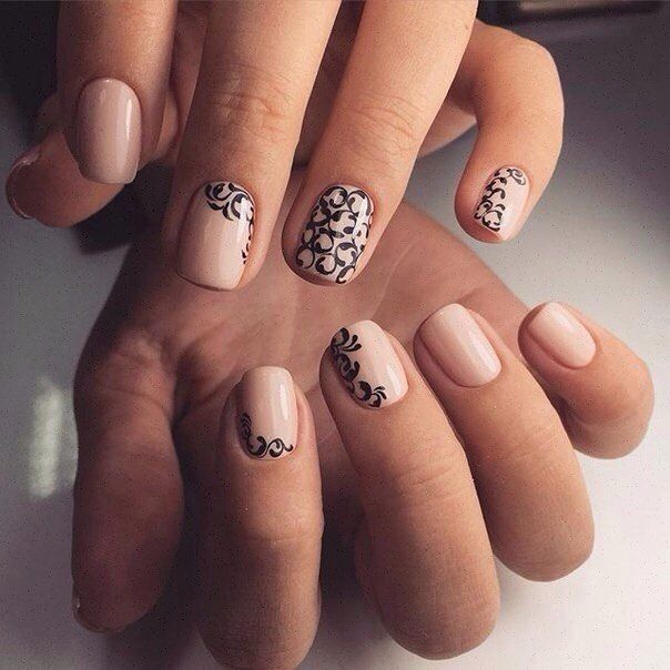 Accurate nails, Autumn nails with a pattern, Black pattern nails, Calm nails design, Cool nails, Evening nails, Fall nail ideas, Fashion autumn nails