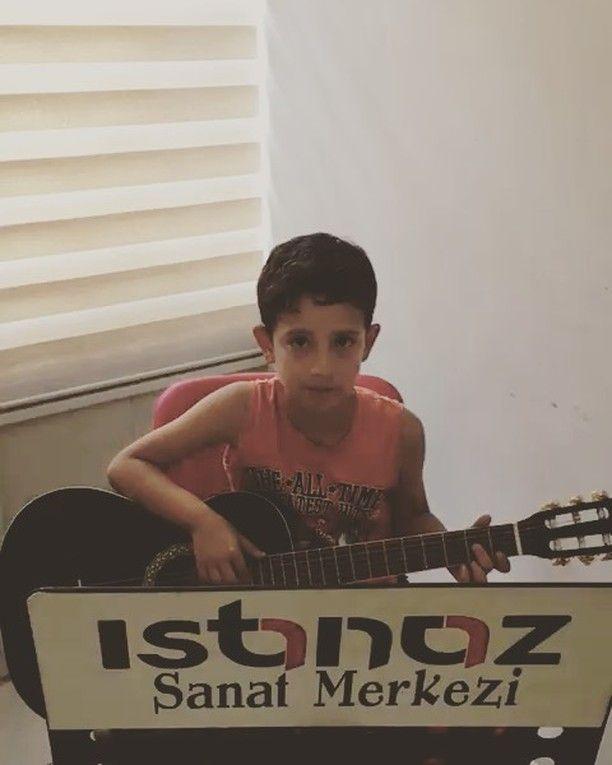 #Gitar öğrencimiz Umut Asar Arkadaşım Eşek şarkısıyla sizlerle.. #turkey #turkiye #türkiye #antalya #korkuteli #istanaz #istanazsanatmerkezi #ıstanaz #gitar #guitar #guitars #guitarsolo #student #students #guitarstuff #guitarstudent #gitarogrencisi #sologitar #solo #arkadaşımeşşek #arkadaşımeşek #birbarışmançoşarkısı #barismanco #barismanco #dünya #word #sametbozan @samet__bozan #iyidinlemeler http://butimag.com/ipost/1556638664733705450/?code=BWaSp4_F0Tq
