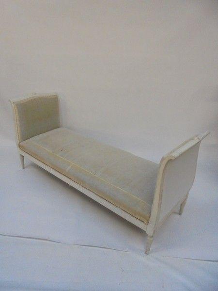 OnlineGalleries.com - 19th Century Scandinavian daybed/window seat