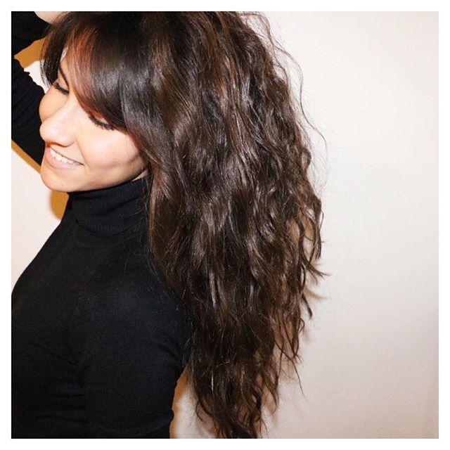 les 37 meilleures images propos de cheveux sur pinterest apr s shampooing femmes de chambre. Black Bedroom Furniture Sets. Home Design Ideas