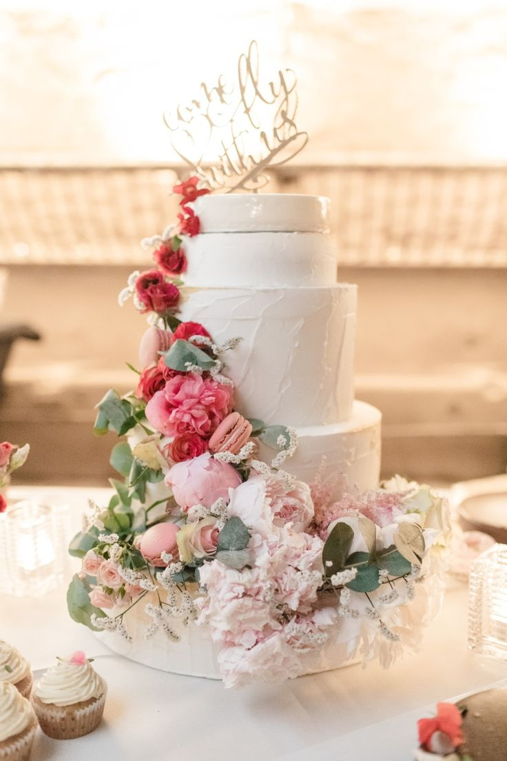 wedding cakes los angeles prices%0A The Sky u    s the Limit at This Belgium Wedding