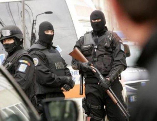 Terorişti care pregăteau un atentat de Crăciun, prinşi de SRI