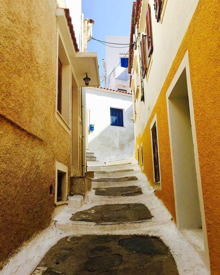Walking down the right path ..! Kea - Tzia island (Κέα - Τζιά)