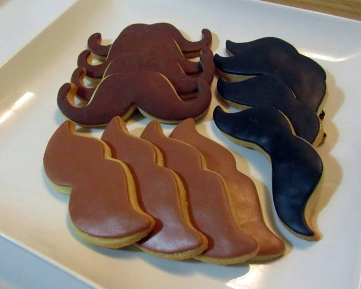 OH MY MOUSTACHE. I want to make these so bad <3