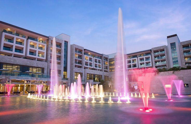 Отель Regnum Carya Golf & SPA Resort находится в 28 км от международного аэропорта Анталии. Гостям отеля Regnum Carya Golf  предоставляются крытые/открытые бассейны с водными горками, спа-центр, сауна и паровая баня и песчаный пляж. С 01.08.2016 гостям нашего отеля, вылетающим прямыми международными рейсами из аэропорта г.Анталии бесплатно предоставляется услуга «Fast Track & Lounge».  http://www.bontravel.com.ua/tours/hotel-regnum-carya-golf-turciya/  #отдых #скидки