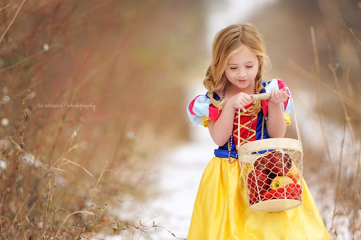Take Finley to the orchard for this shot! Who knows, maybe we'll even have snow on the ground by then ;)