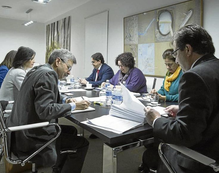 CENTRO DE FORMACIÓN MANUELA CHAMORRO: Calendario de oposiciones Junta de Extremadura par...